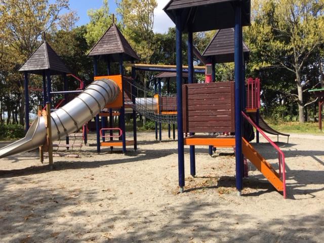昆虫公園の遊具