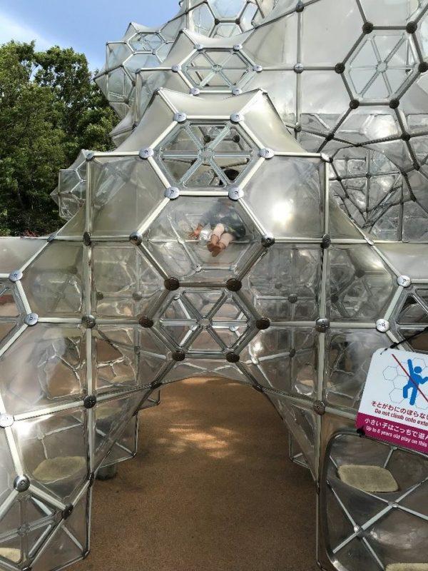 箱根彫刻の森美術館のしゃぼん玉のお城の中(小さい子用)