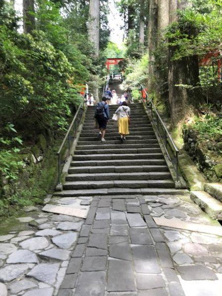 箱根神社の入り口の階段