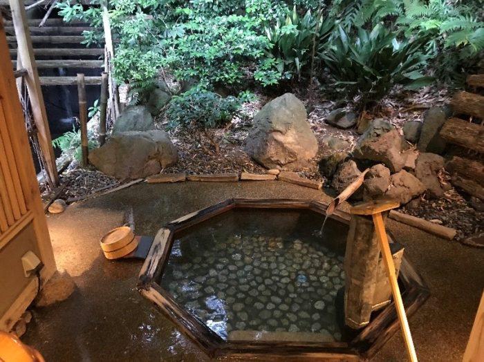 淘心庵米屋の貸切露天風呂の大きさ