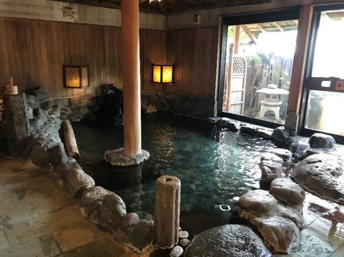 淘心庵米屋の大浴場の内風呂