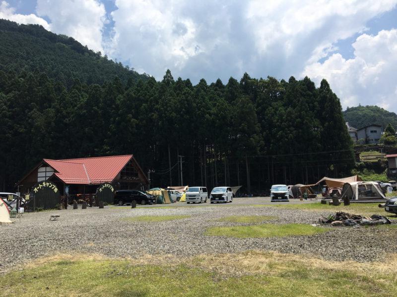 奈良県の川上村白川渡のオートキャンプの様子