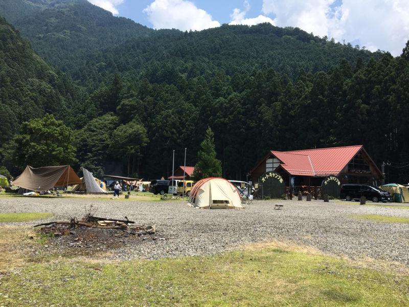 白川渡のオートキャンプの外観