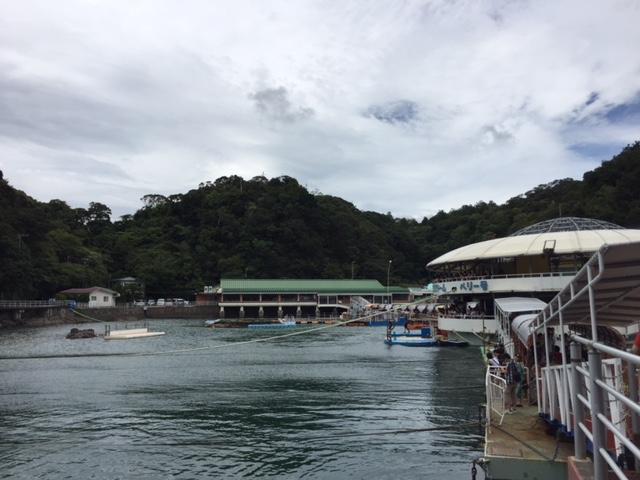 下田海中水族館の通路