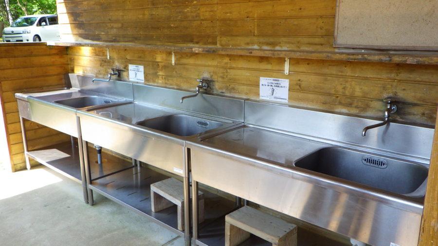 南乗鞍キャンプ場のサニタリー棟の水場