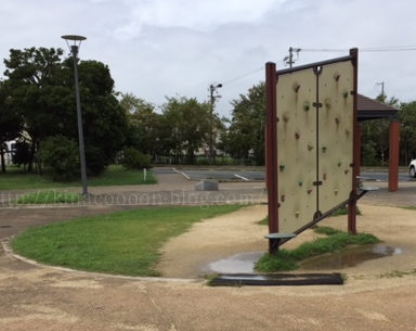とびっこ公園のボルダリング