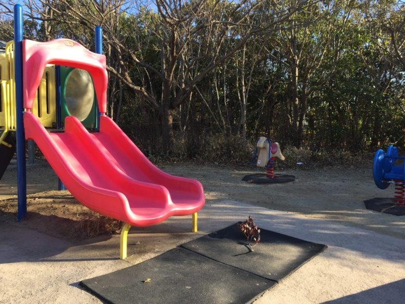 ガーデンパークこども広場の小さい子向け遊具