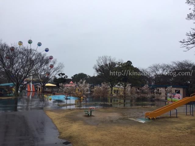 フラワーパークの遊園地