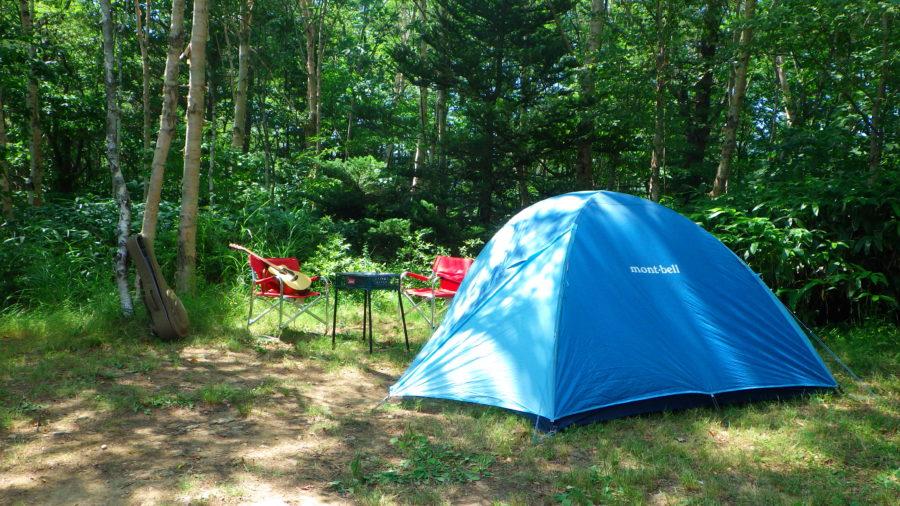 南乗鞍キャンプ場のDサイトにテント設営