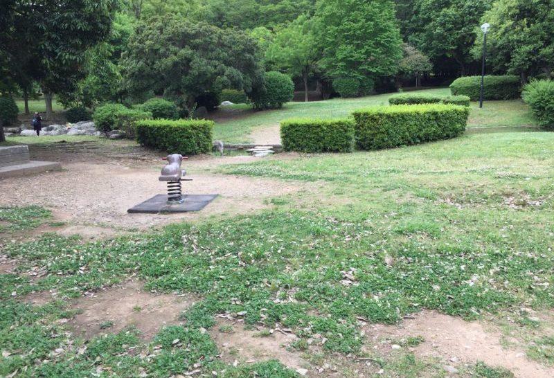 かぶと塚公園のスプリング遊具