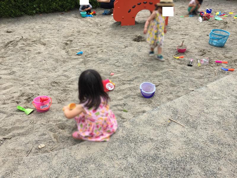 かぶと塚公園の砂遊び場
