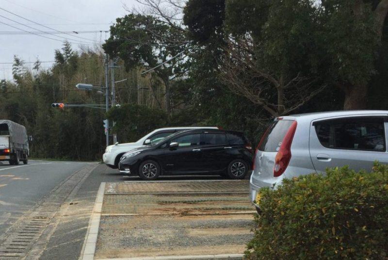 飯田公園の東側駐車場