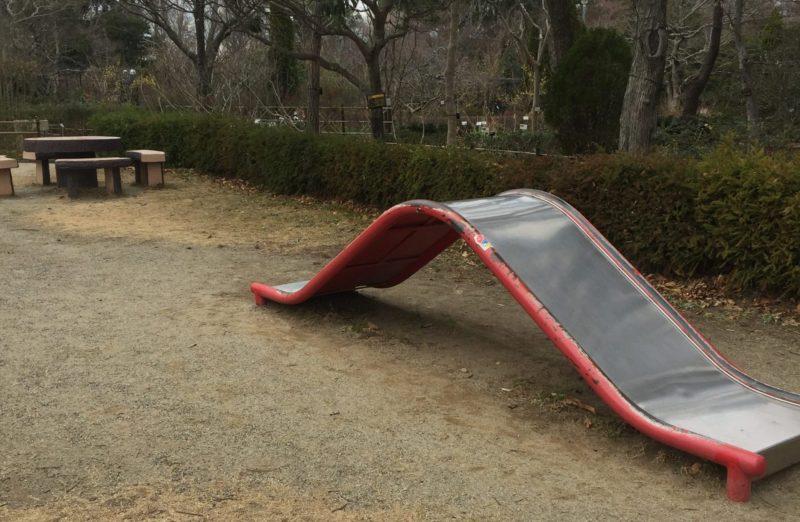 飯田公園のすべり台