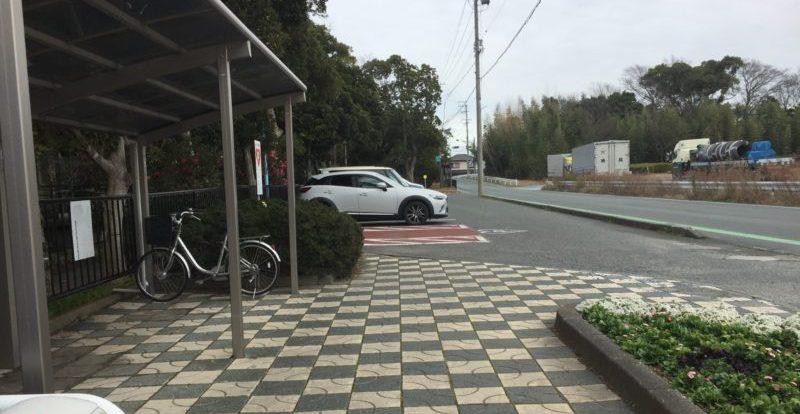 飯田公園の南側駐車場
