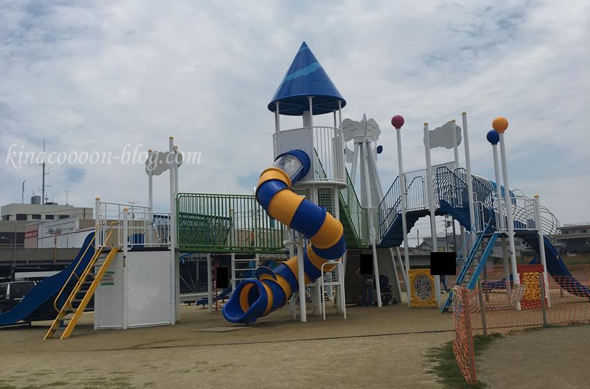 今之浦公園の大型遊具