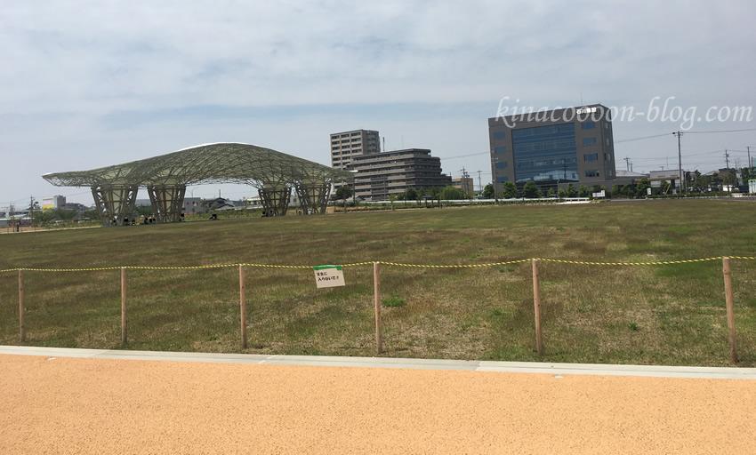 今之浦公園の屋根付き広場