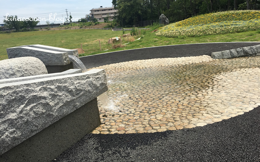 今之浦公園のじゃぶじゃぶスポットの水が出てくる場所